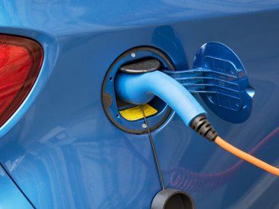 Auto elettriche quanto di consuma la batteria