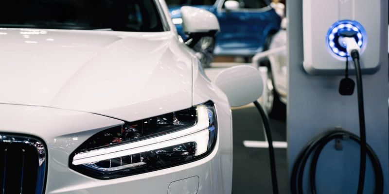 quanto costa fare un pieno di un'auto elettrica