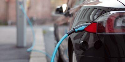 quanto durano le batterie delle auto elettriche