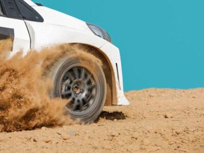Guidare sulla sabbia