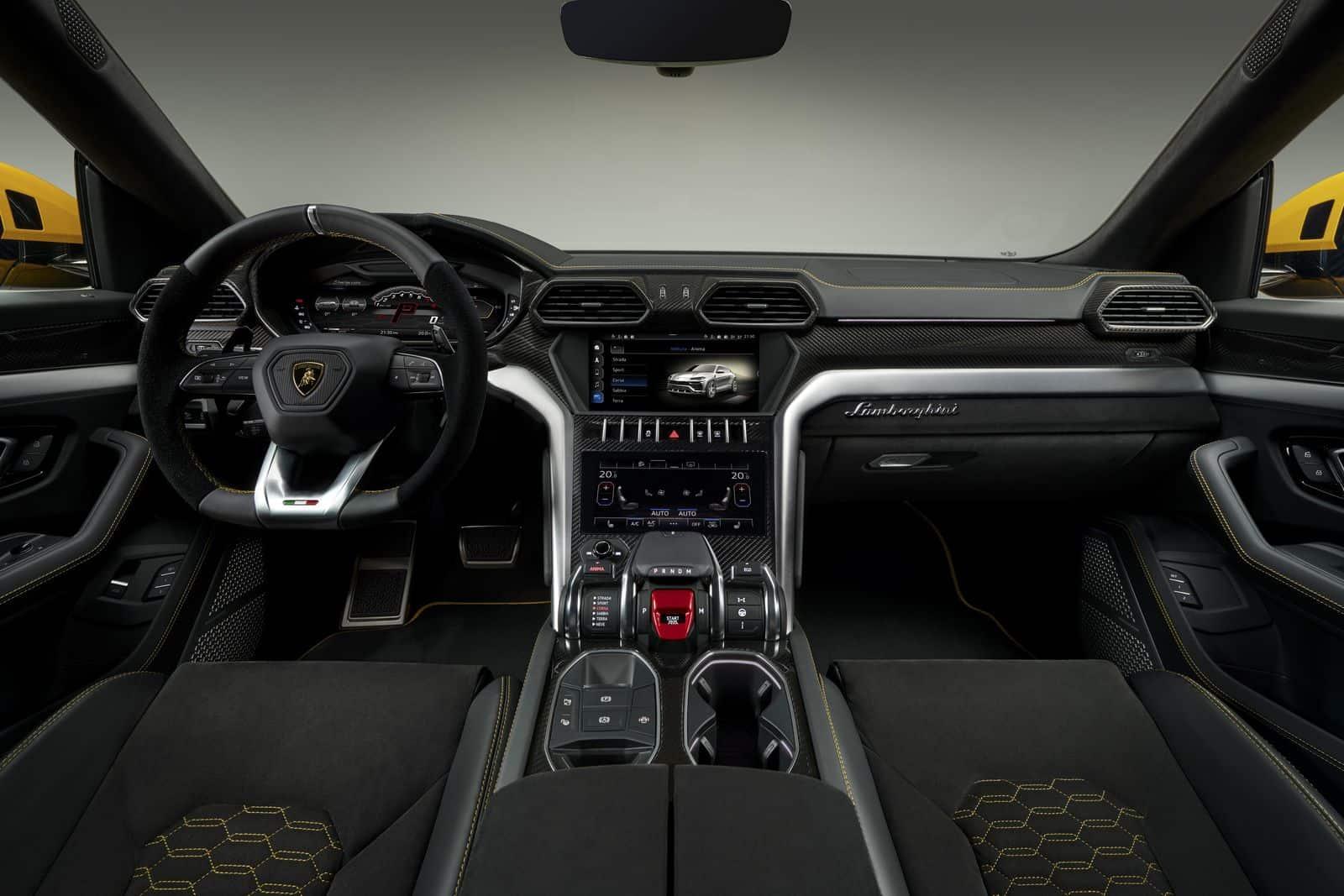Lamborghini_Urus Interni