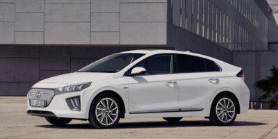 Hyundai Ioniq caratteristiche berlina ibrida