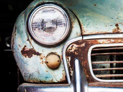 Auto abbandonata cosa fare