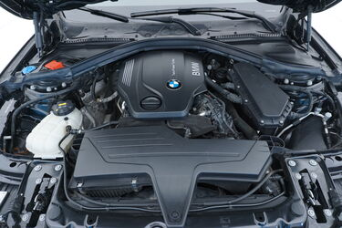 Vano motore di BMW Serie 3
