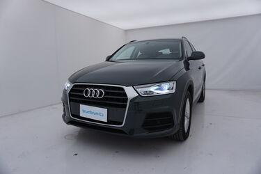 Visione frontale di Audi Q3