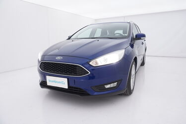 Visione frontale di Ford Focus