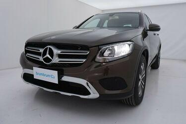 Visione frontale di Mercedes GLC
