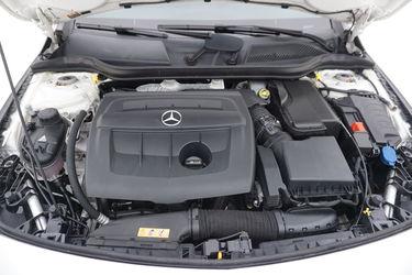 Mercedes CLA   Vano motore