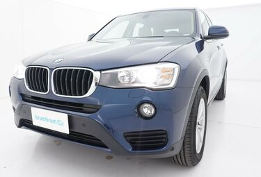 Visione frontale di BMW X3