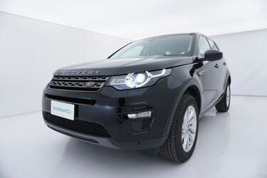 Visione frontale di Land Rover Discovery Sport