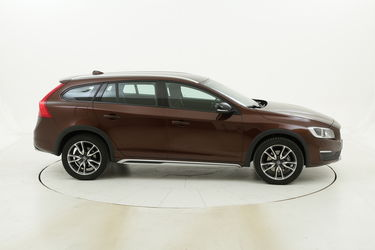 Volvo V60 Cross Country usata del 2017 con 58.784 km