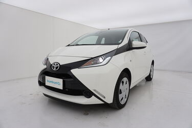 Visione frontale di Toyota Aygo