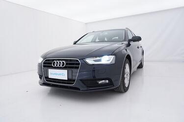Visione frontale di Audi A4