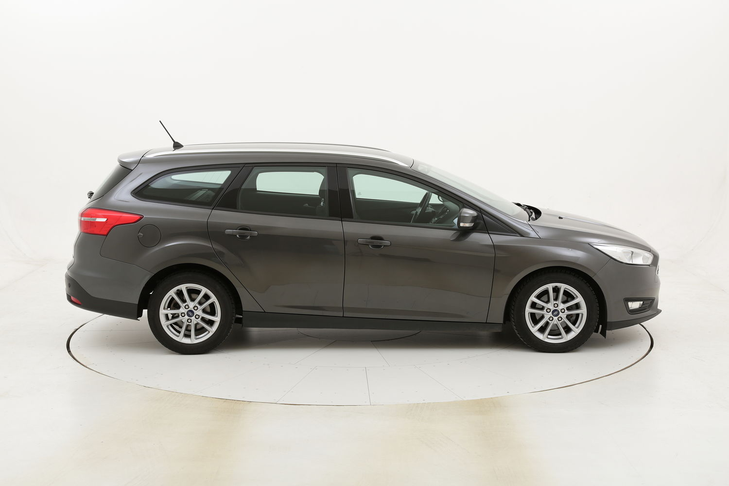 Ford Focus SW Business Powershift usata del 2017 con 115.383 km