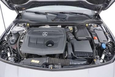 Vano motore di Mercedes CLA