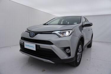 Visione frontale di Toyota RAV4