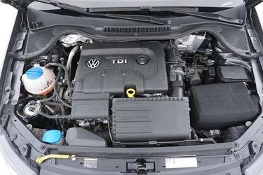 Volkswagen Polo  Vano motore
