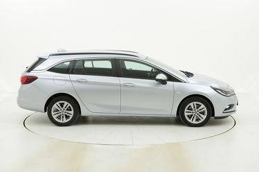 Opel Astra usata del 2017 con 107.149 km