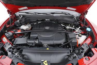 Alfa Romeo Stelvio  Vano motore