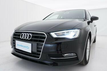 Visione frontale di Audi A3