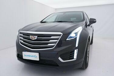 Visione frontale di Cadillac XT5