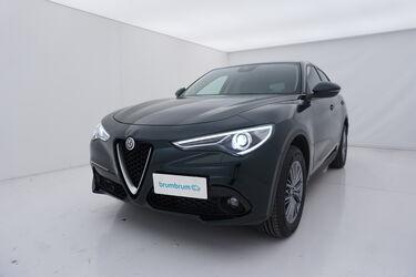 Visione frontale di Alfa Romeo Stelvio