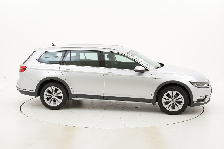 Volkswagen Passat usata del 2017 con 77.850 km