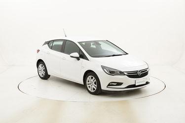 Opel Astra Elective usata del 2016 con 65.121 km