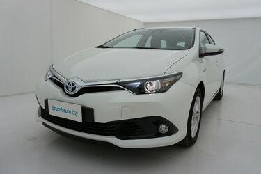 Visione frontale di Toyota Auris
