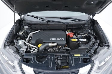 Vano motore di Nissan X-Trail