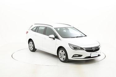 Opel Astra usata del 2017 con 106.943 km