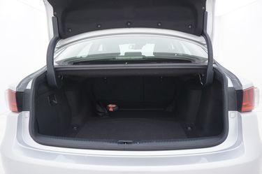 Lexus IS   Bagagliaio