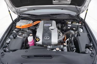 Lexus IS  Vano motore