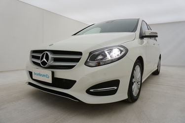 Mercedes Classe B     Da un'altra prospettiva