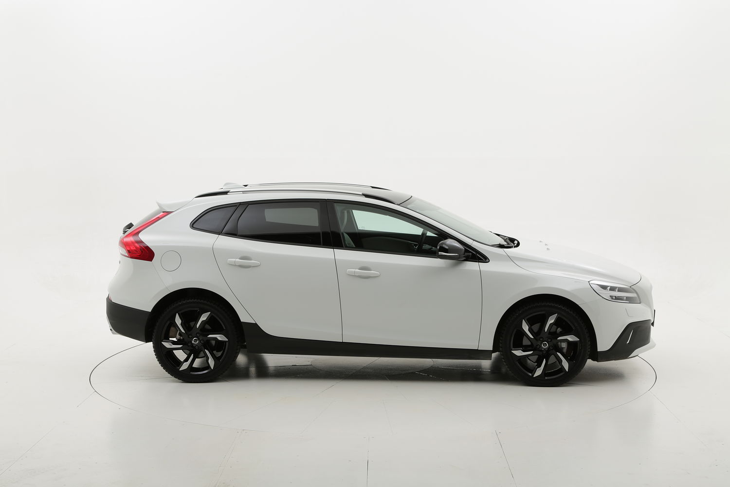 Volvo V40 Cross Country usata del 2017 con 1.847 km