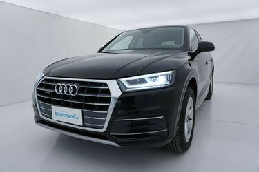 Visione frontale di Audi Q5