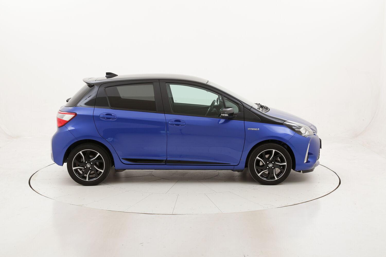 """Toyota Yaris Hybrid Trend """"Blue Edition"""" usata del 2018 con 65.730 km"""