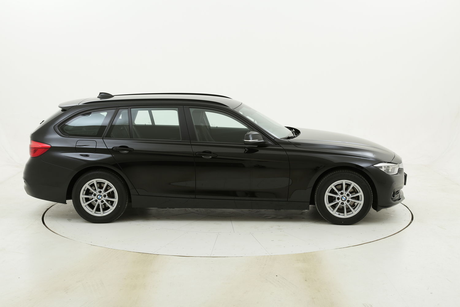 BMW Serie 3 318d Touring Business Advantage aut. usata del 2017 con 53.140 km
