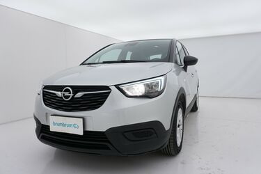 Visione frontale di Opel Crossland