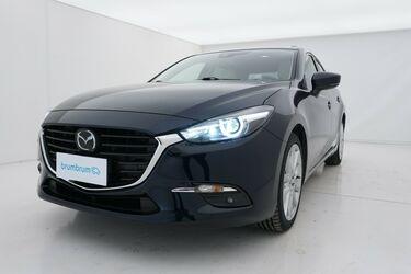 Visione frontale di Mazda Mazda3