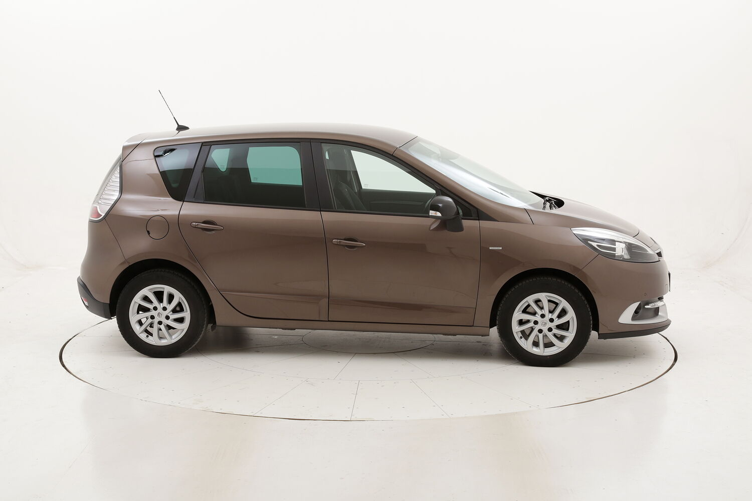 Renault Scénic Energy Limited usata del 2016 con 116.186 km