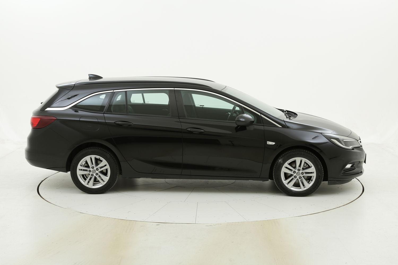 Opel Astra ST Business Aut. usata del 2017 con 120.280 km