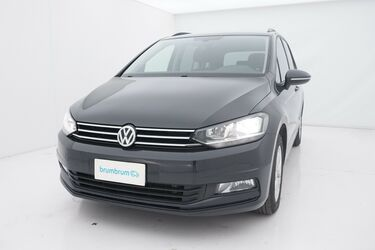 Visione frontale di Volkswagen Touran