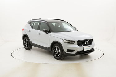 Volvo XC40 D4 R-design AWD Geartronic usata del 2020 con 19.045 km