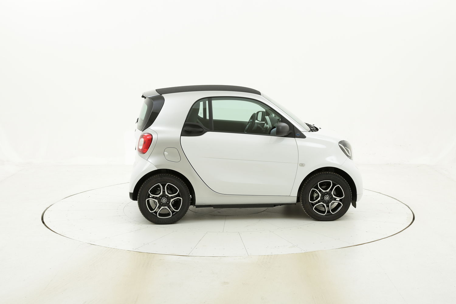 Smart Fortwo EQ Youngster km 0 elettrico bianca