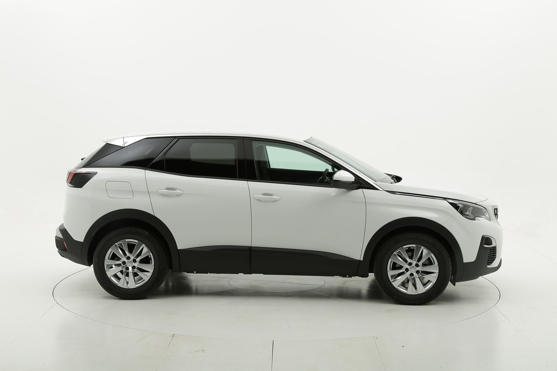 Peugeot 3008 Business km 0 diesel bianca
