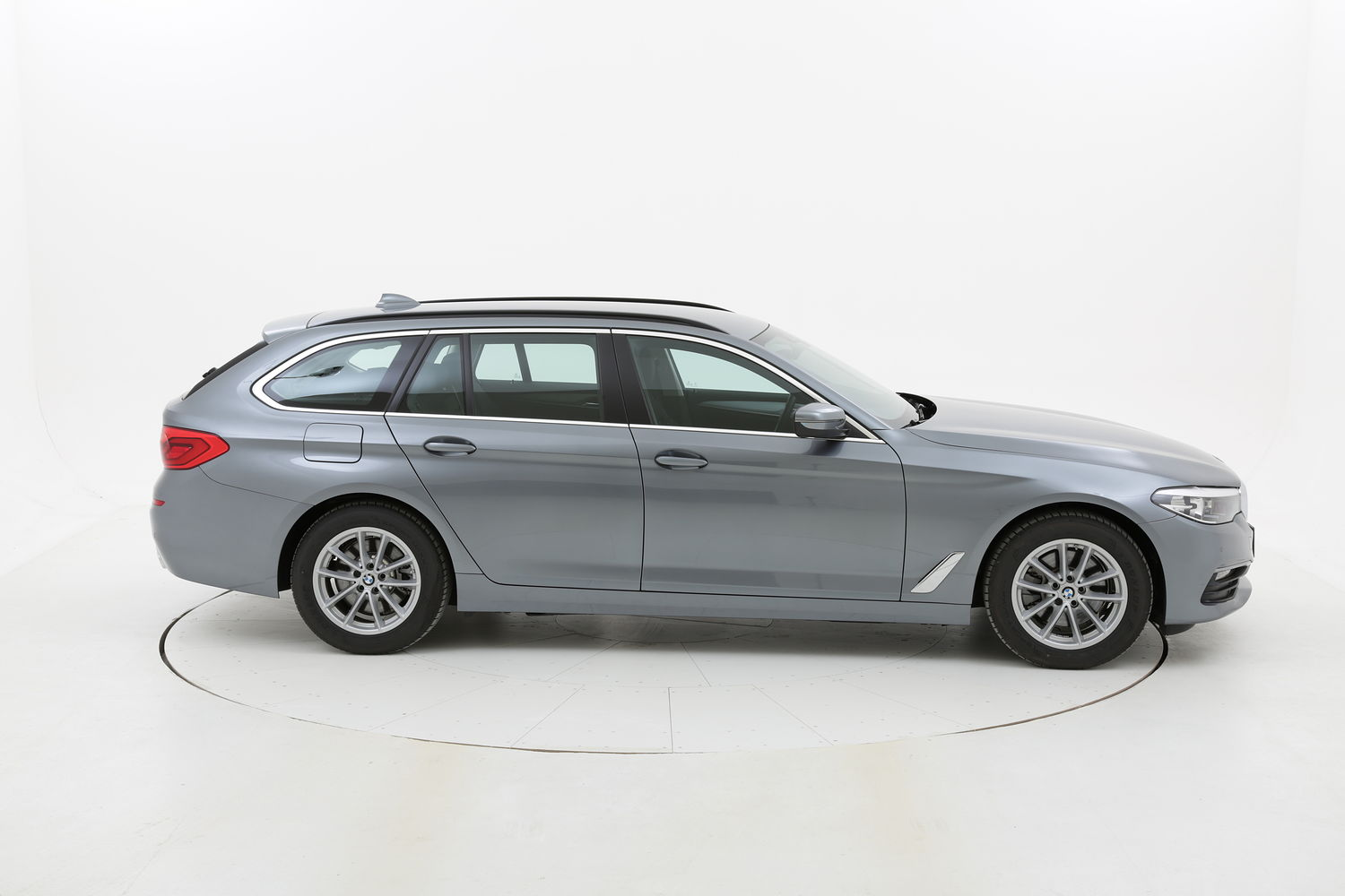 BMW Serie 5 18d Touring Business Automatico km 0 diesel grigia