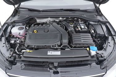 Vano motore di Volkswagen Golf