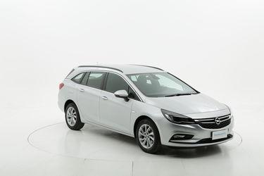 Opel Astra benzina  a noleggio a lungo termine