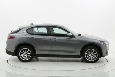 Alfa Romeo Stelvio Q4 a noleggio lungo termine